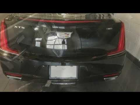 2018 Cadillac XTS 4dr Sdn Luxury FWD in Moline, IL 61265