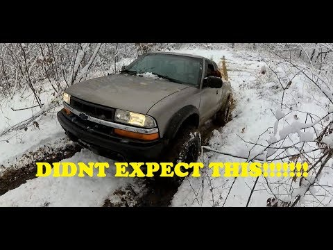 4WD SNOW ACTION WITH A ZR2 S10!
