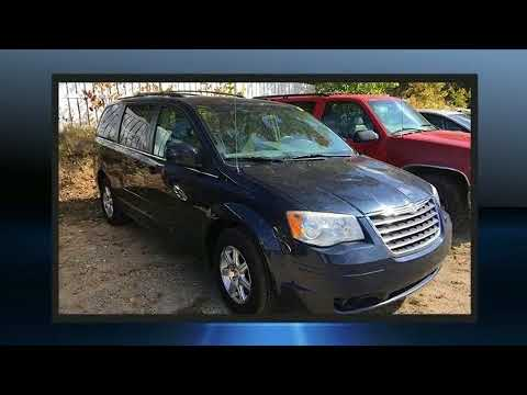 2008 Chrysler Town & Country Touring in Fenton, MI 48430