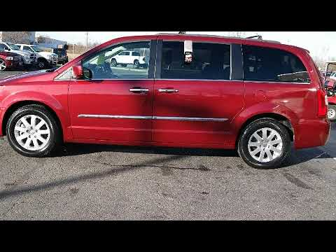 2015 Chrysler Town & Country Touring in Columbus, OH 43228