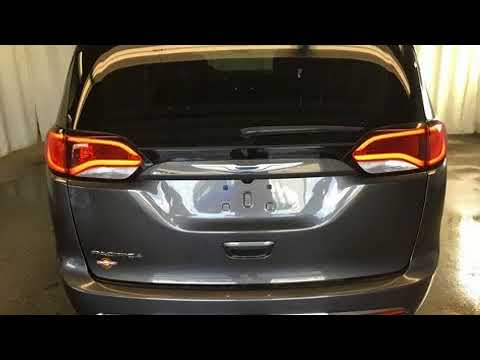 2017 Chrysler Pacifica Touring L in Ellwood City, PA 16117