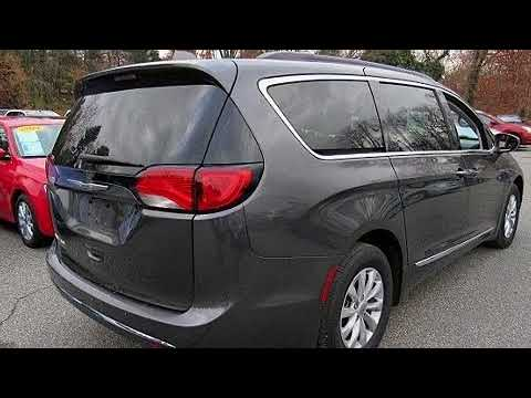 2017 Chrysler Pacifica Touring-L in Springfield, PA 19064