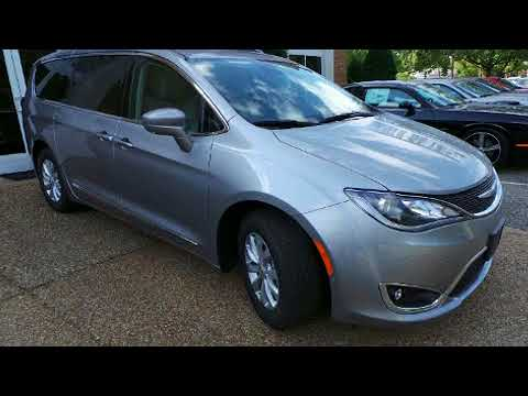 2018 Chrysler Pacifica Touring L in Williamsburg, VA 23185