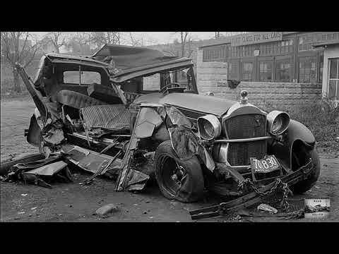 Epic car crashes in the early 1900