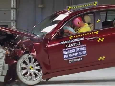 2018 Hyundai Genesis moderate overlap IIHS crash test