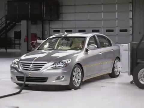 New  Hyundai Genesis side IIHS crash test
