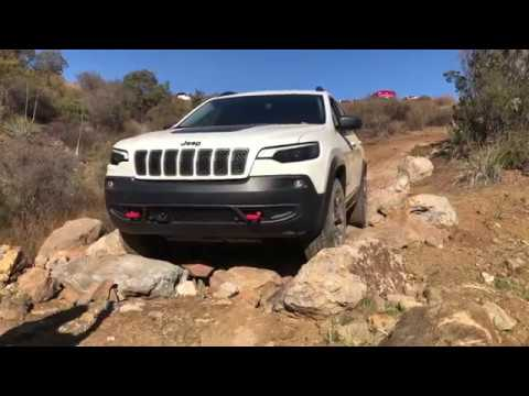 2019 Jeep Cherokee Trailhawk First Dirt Review
