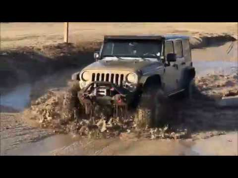 Jeep JKU in Valley State OHV Park California