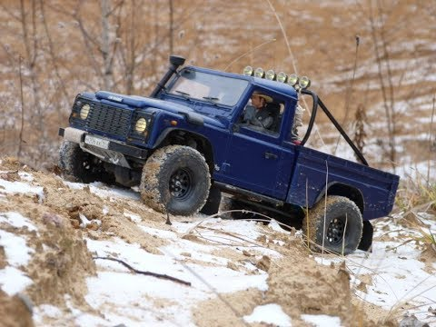 scale 4x4 off-road adventures with Land Rover defender 90 works v8 and defender 110 HCPU
