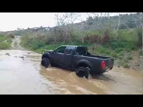 nissan navara river crossing