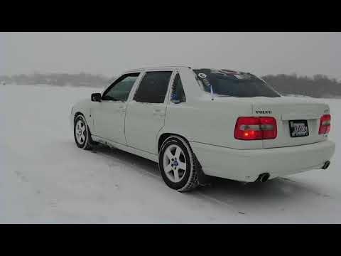 1999 Volvo s70 AWD turbo dig on the lake.