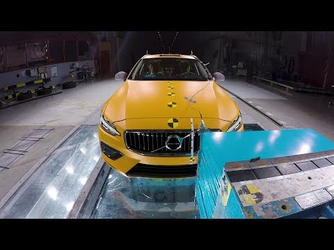 2019 Volvo V60 - Crash Test | Volvo Safety Centre