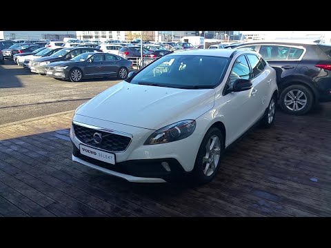 NU16LVC - 2016 Volvo V40 CROSS COUNTRY LUX D2 19,995